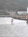 Un călugăr shaolin a alergat 125 metri peste apă