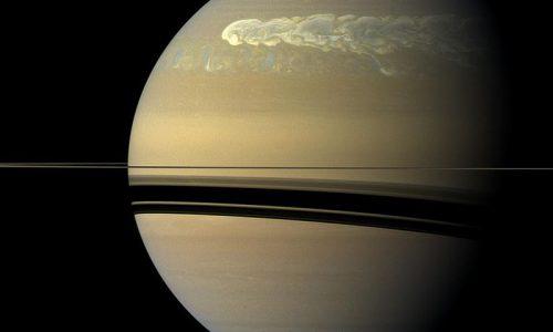 800px-Saturn_Storm