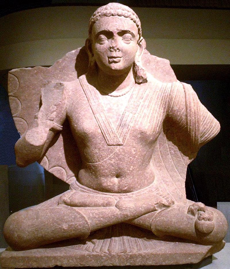 The Bodhisatva Maitreya, art of Mathura, 2nd century CE. Personal photograph, at Musée Guimet, 2004. Autor Phg, sursa Wikipedia.