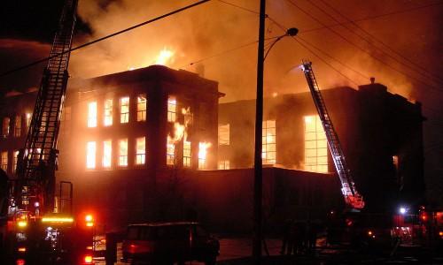 1024px-School_burn